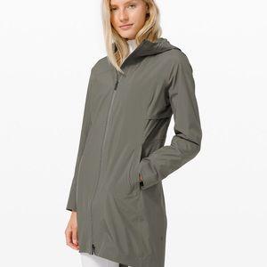 lululemon Rain Rebel jacket NWT size 6 - blue